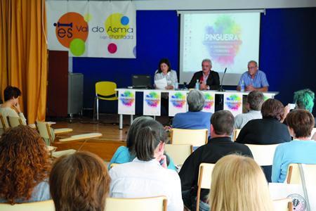 O coloquio desenvolveuse no IES Val do Asma de Chantada o 23 e 24 de setembro. A inauguración contou coa presenza do alcalde, Manuel Varela, e os responsables da organización de Nova Escola Galega. EC