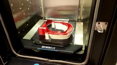 Germans Boada fabrica pantalles de protecció facial amb una impressora 3D