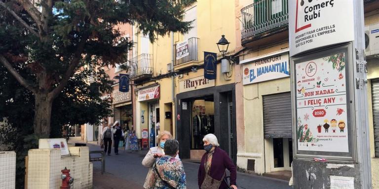 El consistori promou un sistema de vals de compra per injectar més de 200.000 euros al comerç de proximitat