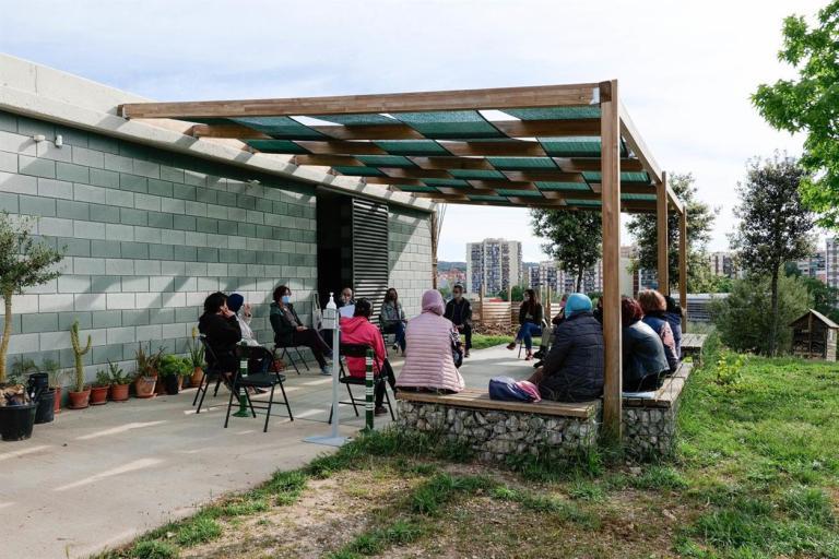 Una desena de rubinenques es formen en l'àmbit de l'horticultura i la jardineria als horts municipals de Cova Solera