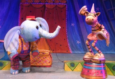 Corny-and-Oliver-Pedestal---Center-for-Puppetry-Arts