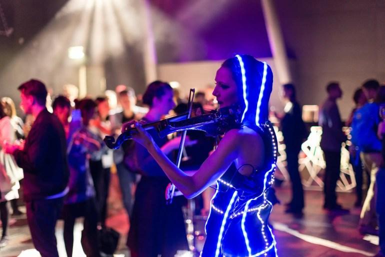 Aelfwyn Shipton electric violinist