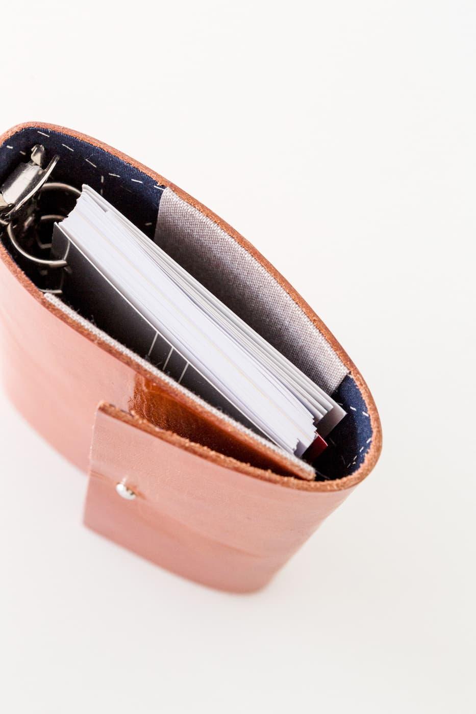 agenda anual A6 artesanal en piel marrón