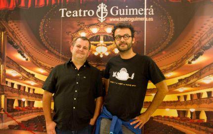 De izqda a dcha: El crítico Joaquín Ayala y el cineasta Jose Víctor Fuentes (Zac73dragon).