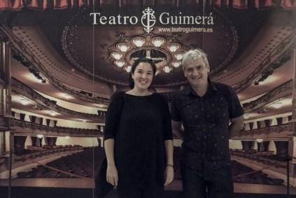 De izqda a dcha: Dalia de la Rosa, moderadora de la sesión; y Asier Altuna, director invitado.
