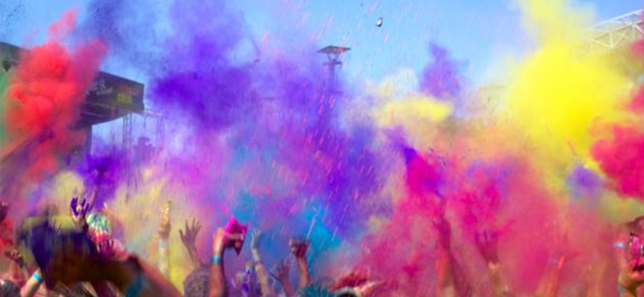 An explosion of colours at the colour run