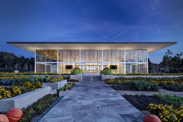 Charlotte and Donald Test Pavilion / Buchanan Architecture, © Charles Davis Smith