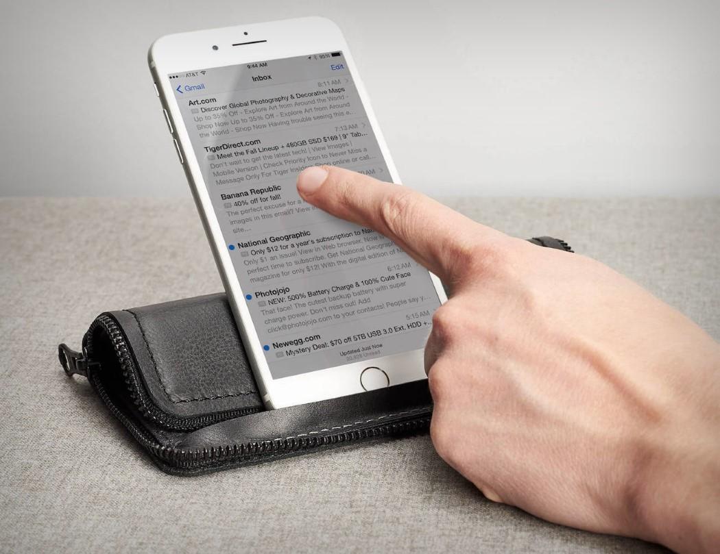 capra_iphone_wallet_2