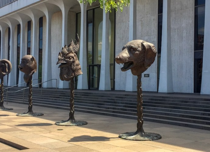 Contemporary art statues - what is contemporary art