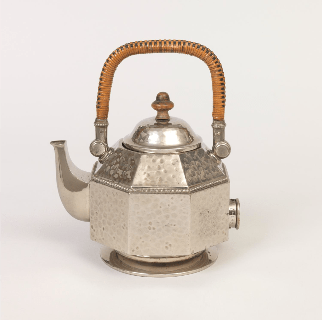 Electric Teakettle designed by Peter Behrens