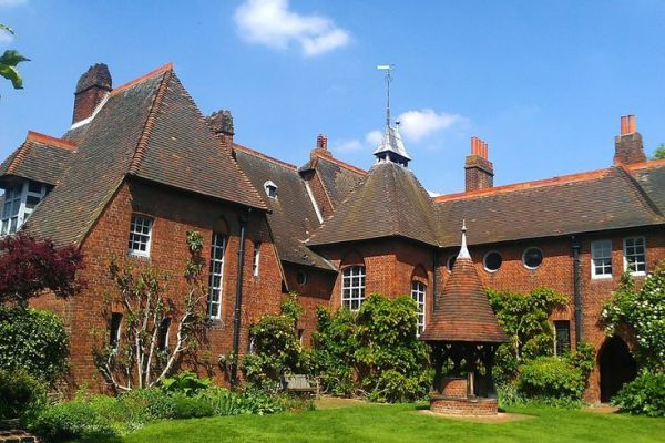 Philip Webb and the Beginnings of the Modern House