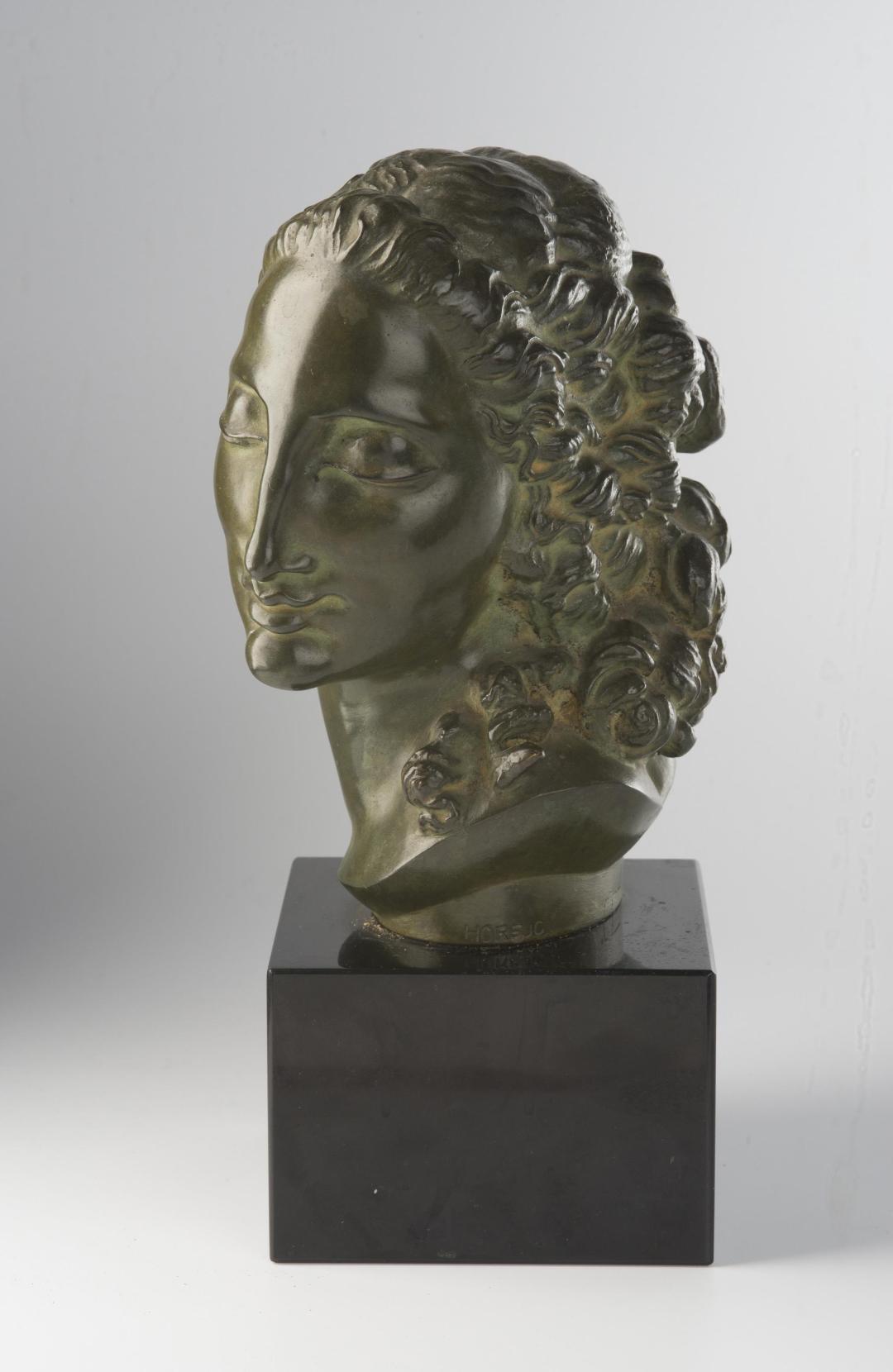 Livia, bronze, green patina, signed Horejc, height 18 cm, a black marble stand (Zí)