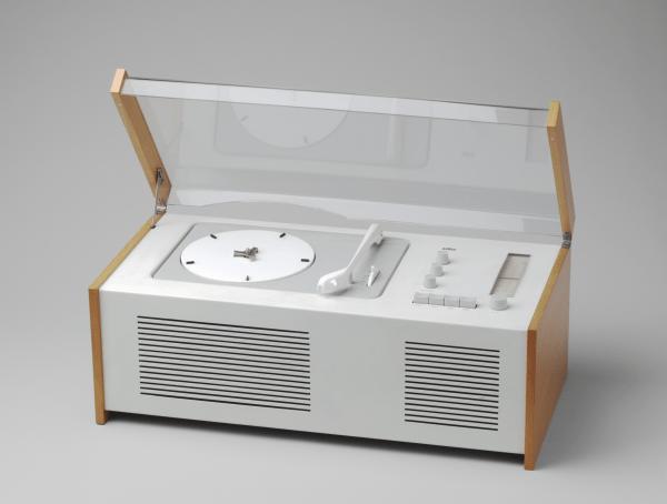 Radio-Phonograph (model SK 4/10) 1956 by Dieter Rams, Hans Gugelot