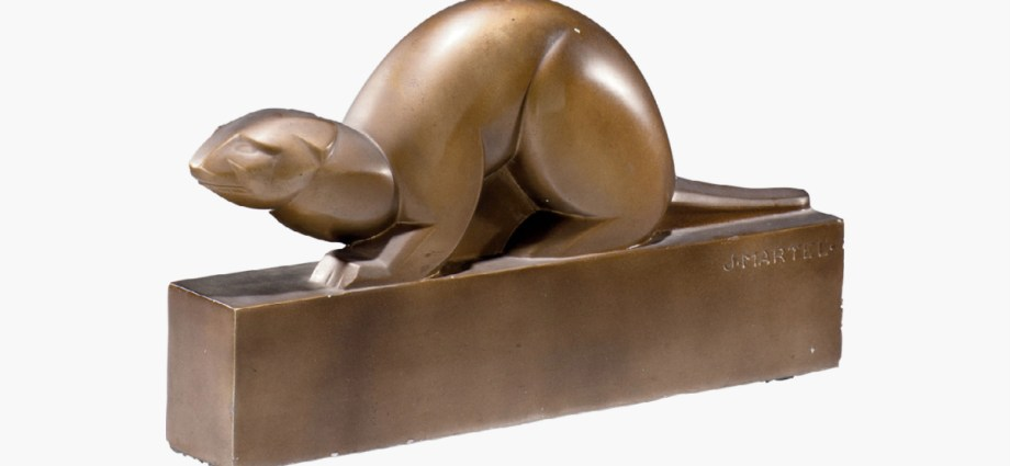 Hermine the 'Otter' created in bronze