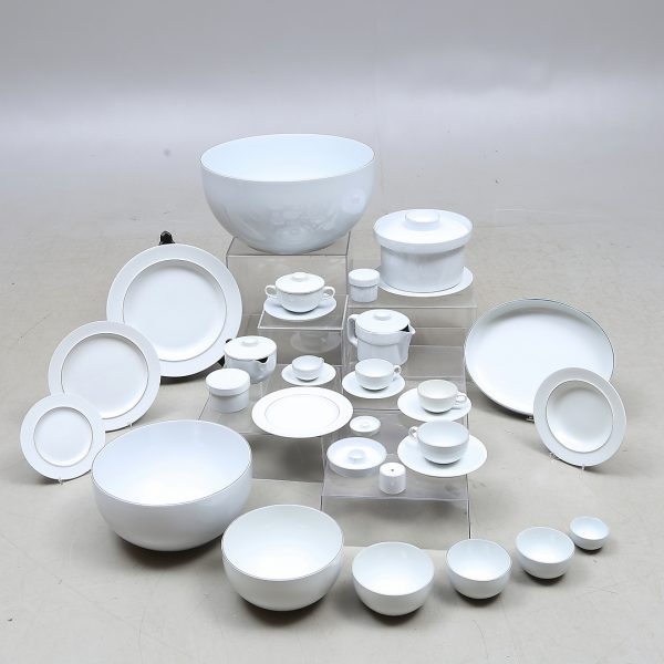 "74 pieces, porcelain, ""Blue border"", Grethe Meyer, Aluminia & Royal Copenhagen"