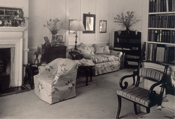 The library of Sibyl Colefax's house at Lord North Street