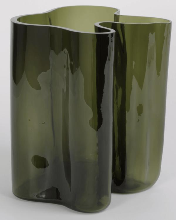 Vase (3031), 1936 designed by Alvar Aalto