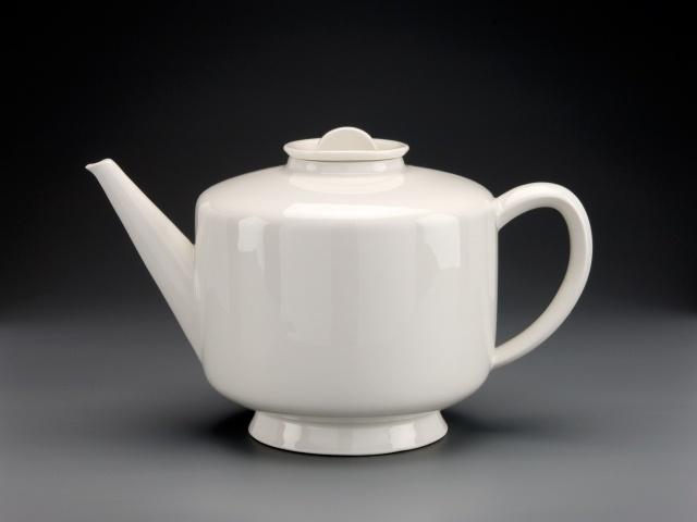 Marguerite Friendlaender, 1930 teapot KPM State porcelain factory