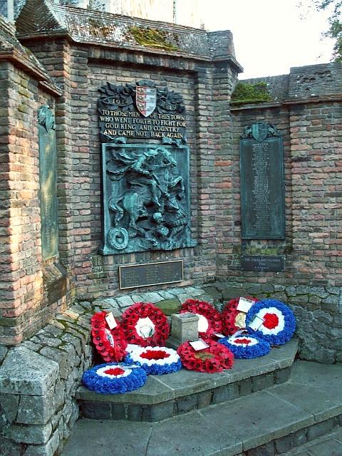 Sandwich War Memorial in Kent by Omar Ramsden