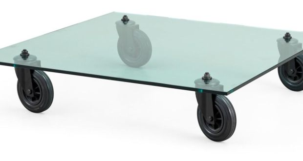 Avolo with ruote table by Gae Aulenti