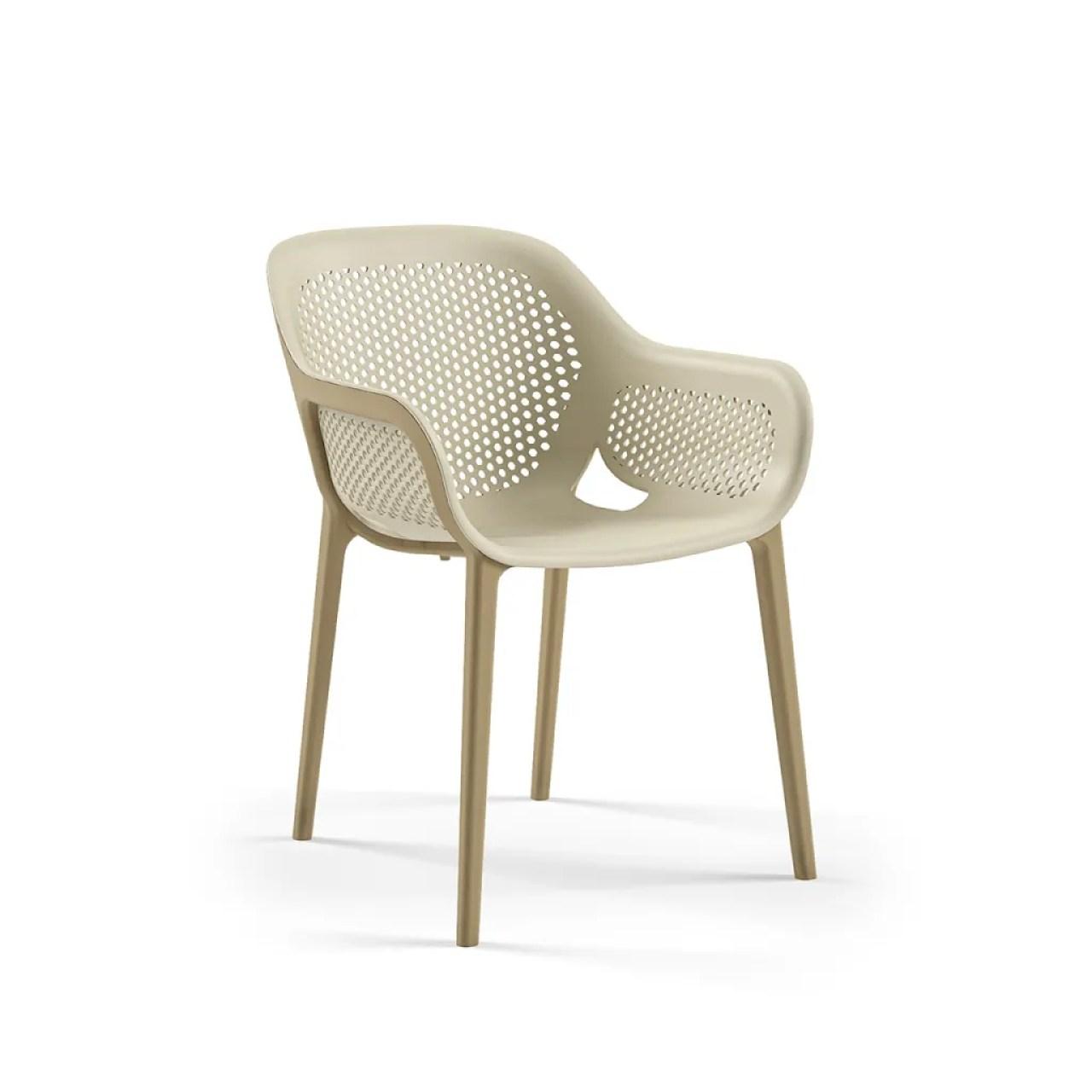 The Atra armchair, designed by Kilit Taşı Design founder Kunter Şekercioğlu for Tilia