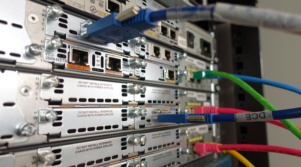 Cisco Show Interface Command on Routers and Switches Explained