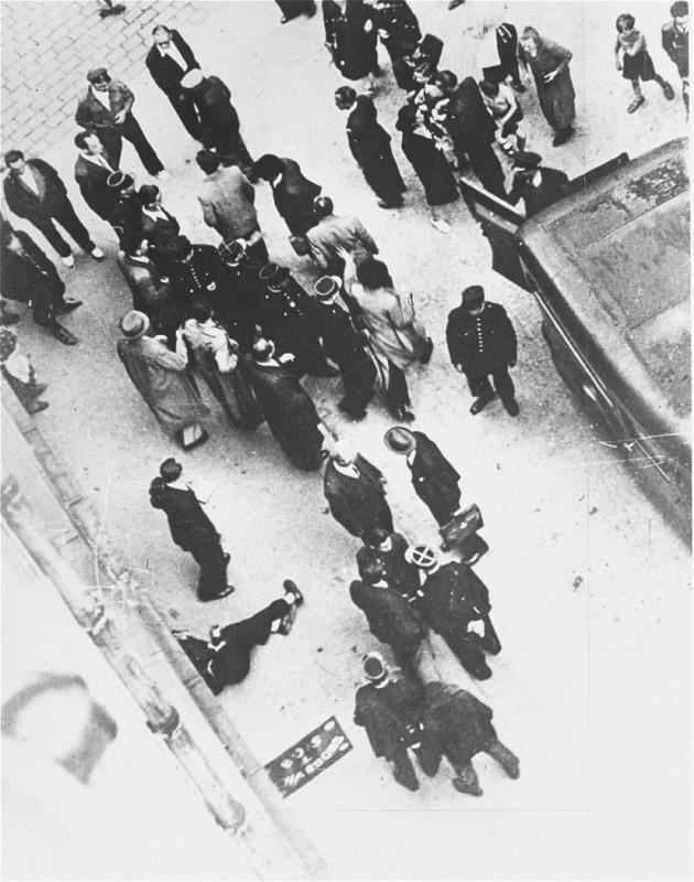 Le Génocide Juif Un Crime Contre L Humanité : génocide, crime, contre, humanité, France, Encyclopédie, Multimédia, Shoah