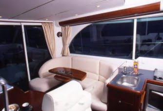 Beneteau Antares 980 interior