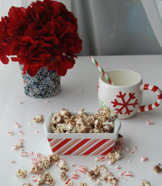Peppermint Bark Popcorn -- A delicious, easy-to-make snack with all the flavors of a popular holiday treat!