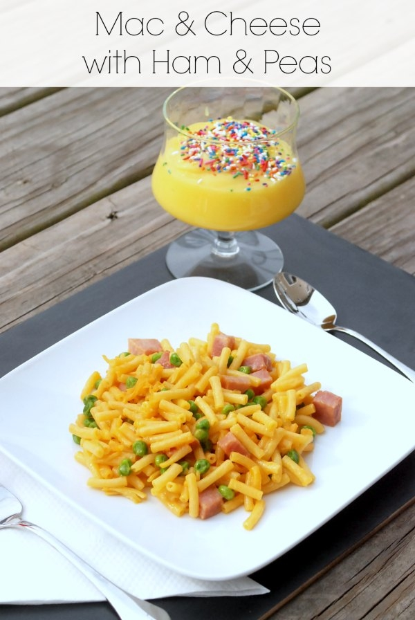 Mac & Cheese with Ham & Peas -- make a dinner for 5 {including drinks and dessert!} for under $10! #1DollarDeals #shop #cbias