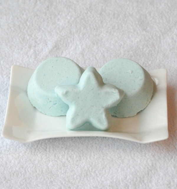 Make DIY Bath Bombs out of common household ingredients! These are so easy to make, you won't believe you've been buying them for so long! Grab a few of your favorite magazines, and create a relaxing night for yourself! #NewYearMeTime #Pmedia #ad