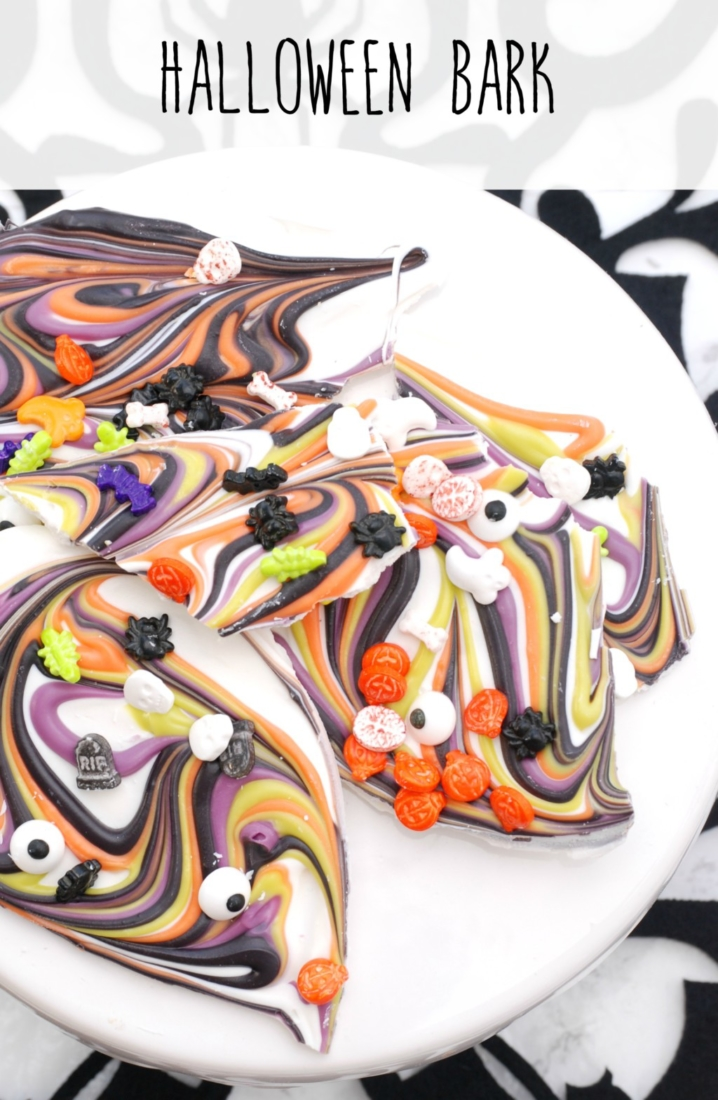 If you're looking for a last-minute Halloween treat, you can't get much easier than this Halloween Bark!