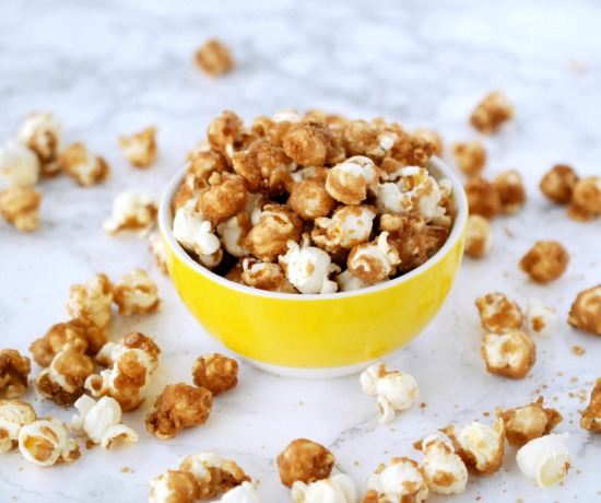 Caramel corn seems like it would be hard to make, but that couldn't be further from the truth. This recipe is easy and totally delicious!