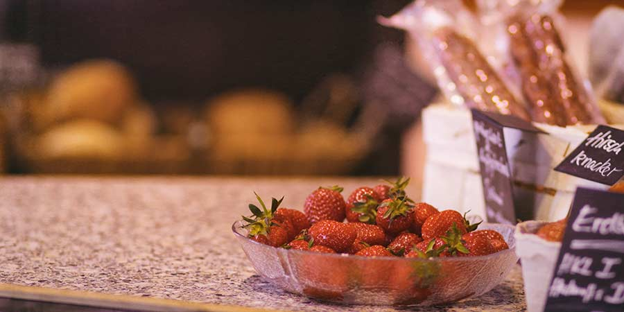 Saisinales Obst und Gemüse im Hoflädchen Ochsenschläger in Biblis-Wattenheim