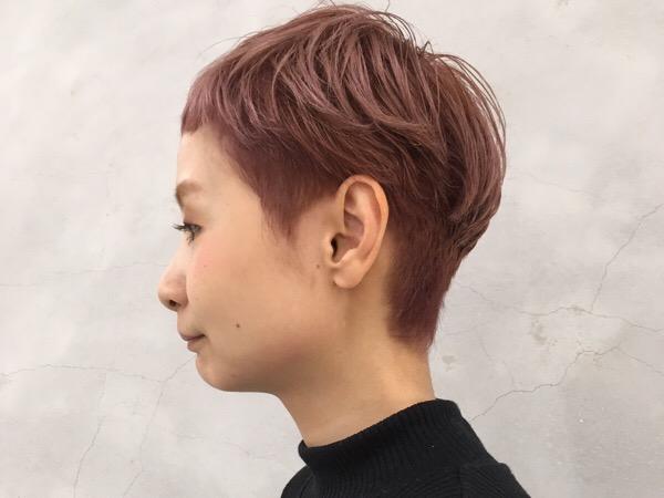 ショートスタイルとピンクカラーの可愛さの秘密!!