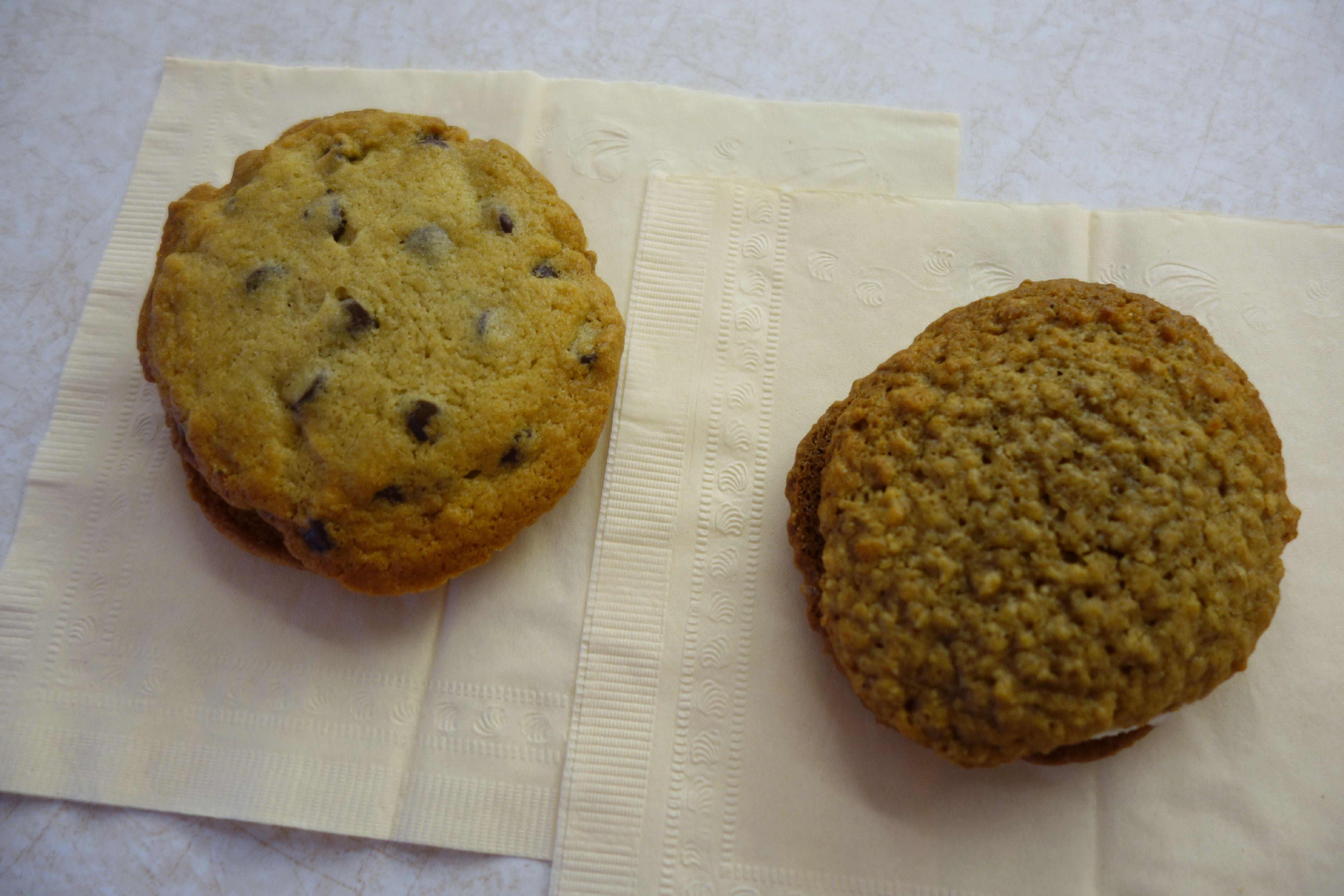 Chocolate Chip Whoopie Pie / Oatmeal Raisin Whoopie Pie