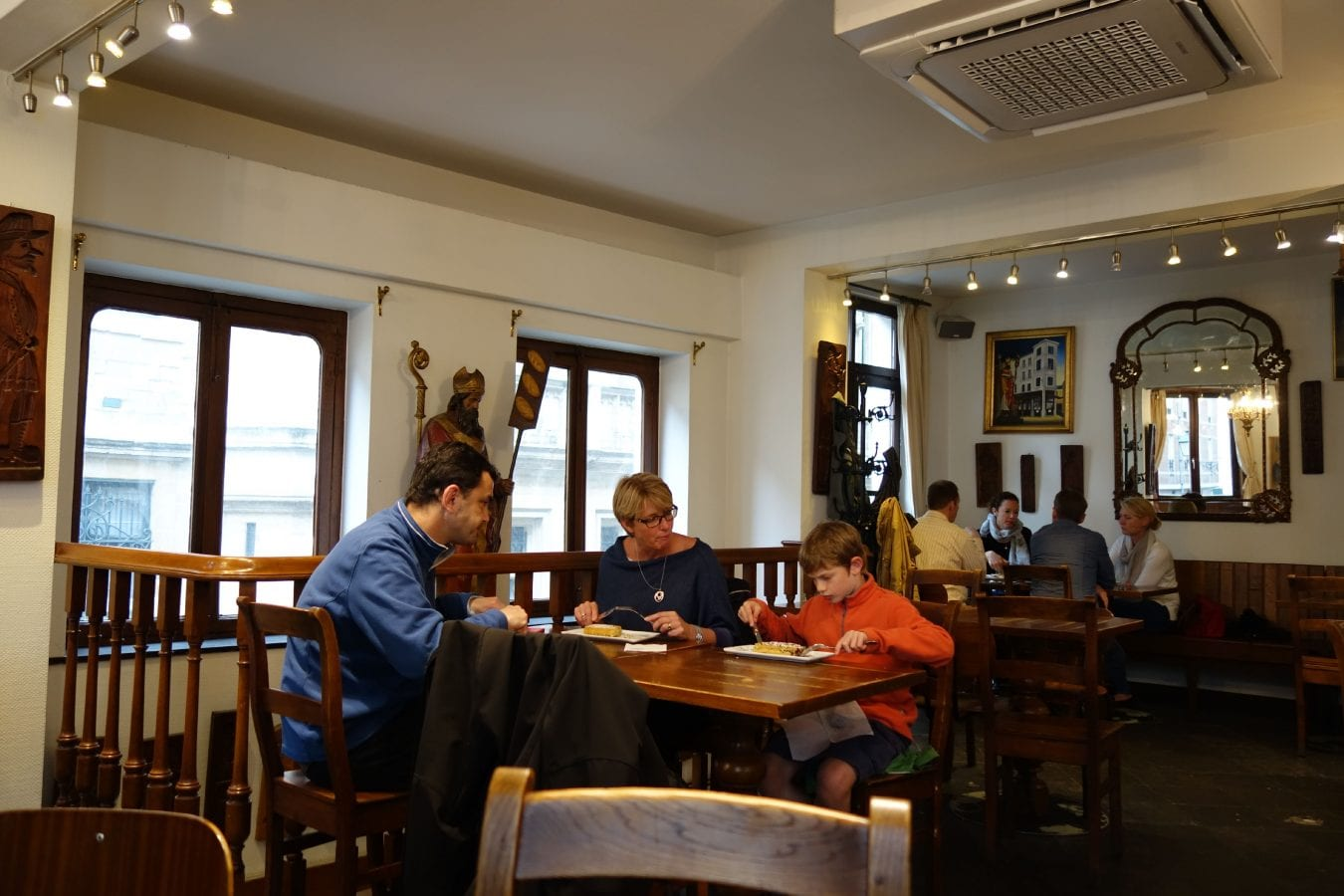 Maison Dandoy Tea Room Menu