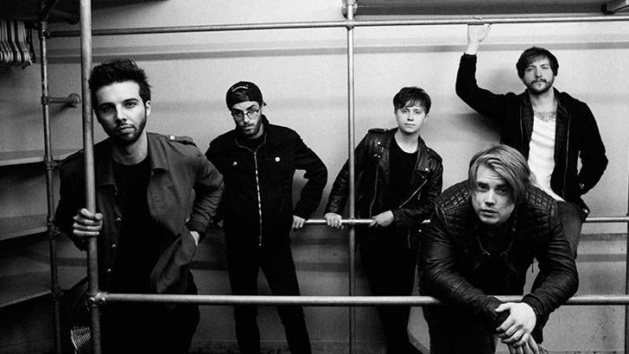 nothing-but-thieves-band-foto