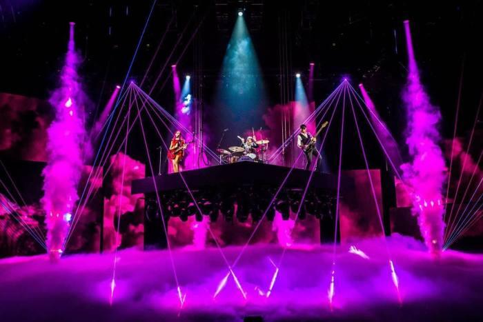 ros-x-factor-live-foto.jpg