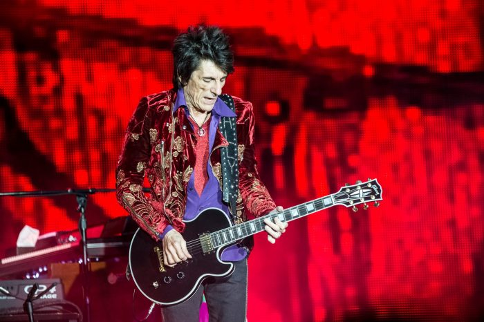 the-rolling-stones-ronnie-wood-lucca-foto