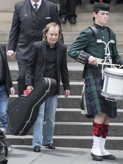 Angus Young - Funerale Malcolm Young