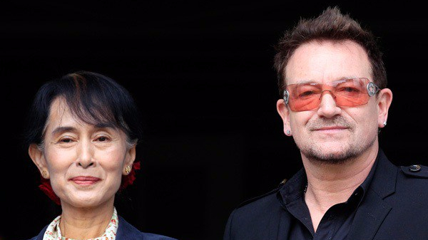 U2-revoca-cittadinanza-aung-saan-suu-kyi-bono-foto