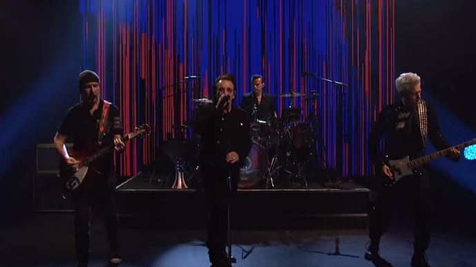 U2-saturday-night-live-american-soul-video-get-out-of-your-own-way-video-foto