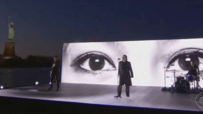 U2-grammy-2018-end-of-a-century-foto
