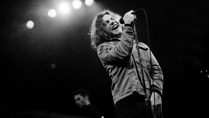 eddie-vedder-lettera-tom-davis-end-of-a-century-foto
