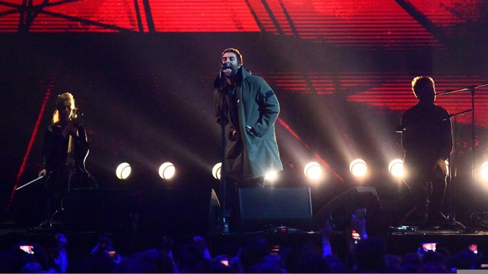 liam-gallaher-live-forever-brit-awards-2018-video-canzone-foto