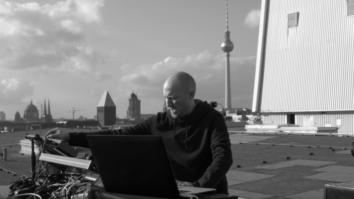paul-kalkbrenner-part-eight-video-end-of-a-century-foto