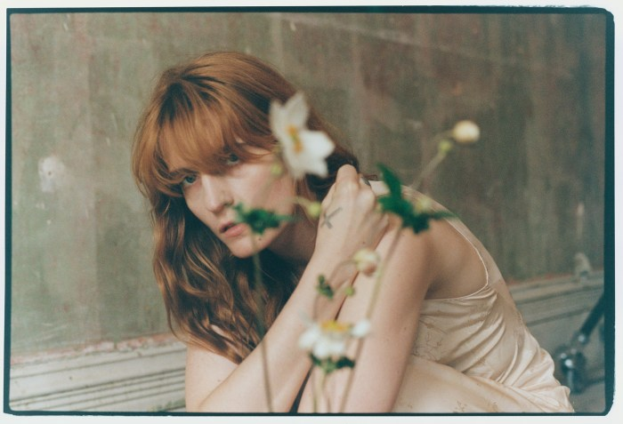 "Florence Welch recensione ""High As Hope"""