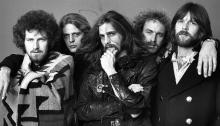 "eagles ""their greatest hits (1971-1975)"" è l'album più venduto di sempre negli stati uniti"
