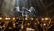 """Liam Gallagher e Richard Ashcroft suonano """"Live Forever"""" per le vittime di Manchester"""